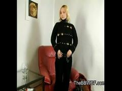 Sex video category blonde (783 sec). Horny Fat Chubby Blonde masturbating and cumming on her chair.